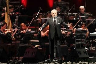 Por la lluvia, el concierto de José Carreras se realizará a las 17