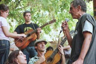 """Radio La Colifata, 22 años """"saltando el muro"""" del Hospital Borda"""