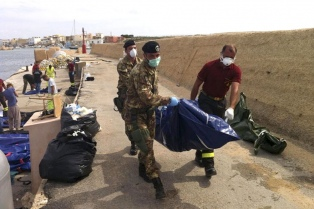 Recuerdan en Italia el segundo aniversario del naufragio de Lampedusa