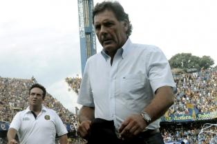 Russo renunció a su cargo y suena Zubeldía