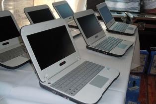 El Ministerio de Educación evaluará el estado de las netbooks halladas