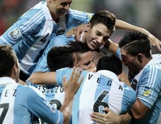 Argentina va por la clasificación ante Brasil en el Sudamericano Sub 17