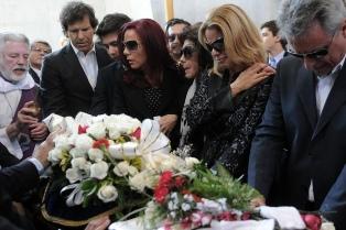 Último adiós a Juan Carlos Calabró en el cementerio de la Chacarita