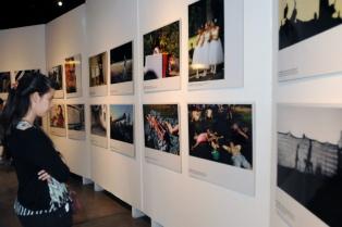 """Con eje en """"la lucha de las mujeres"""" se inauguró la 30ma Muestra de Fotografías de Argra"""