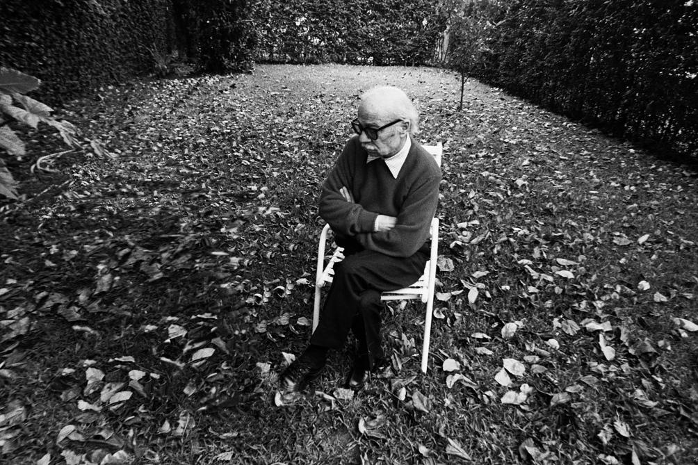 El escritor en la casa en la que vivió gran parte de su vida.