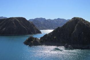 En Lago Los Reyunos el turismo aventura brilla en todo su esplendor
