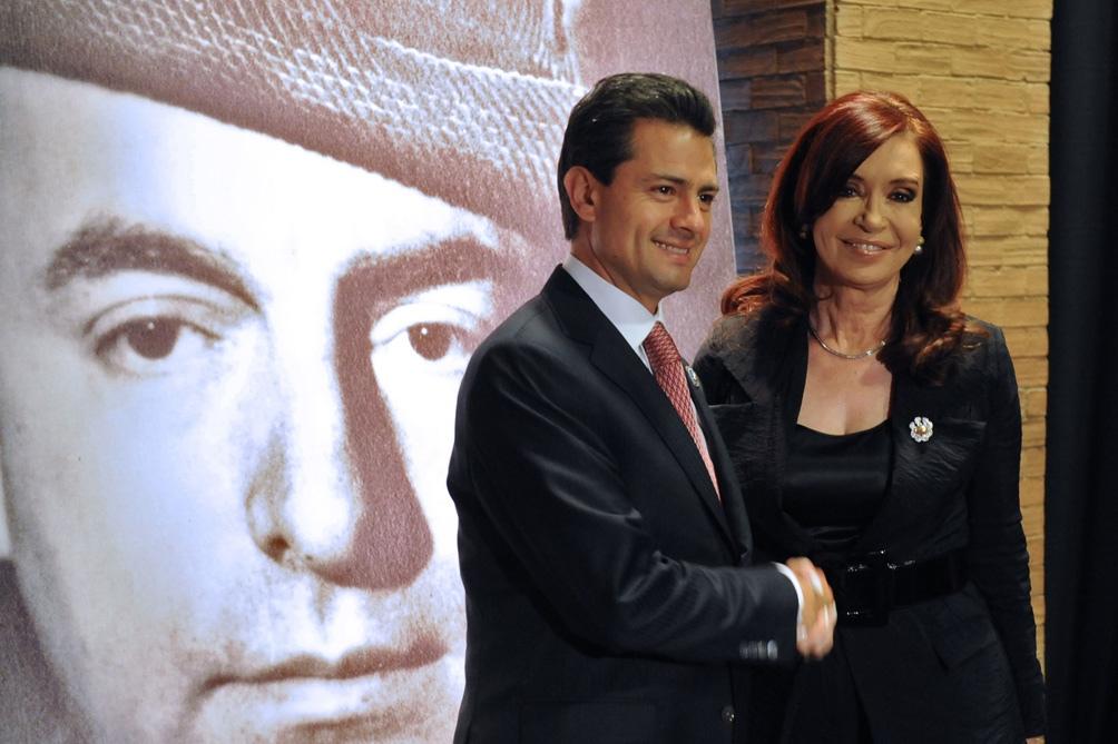 En mayo de 2011,  Cristina Fernández realizó una visita oficial a México para profundizar la relación bilateral.