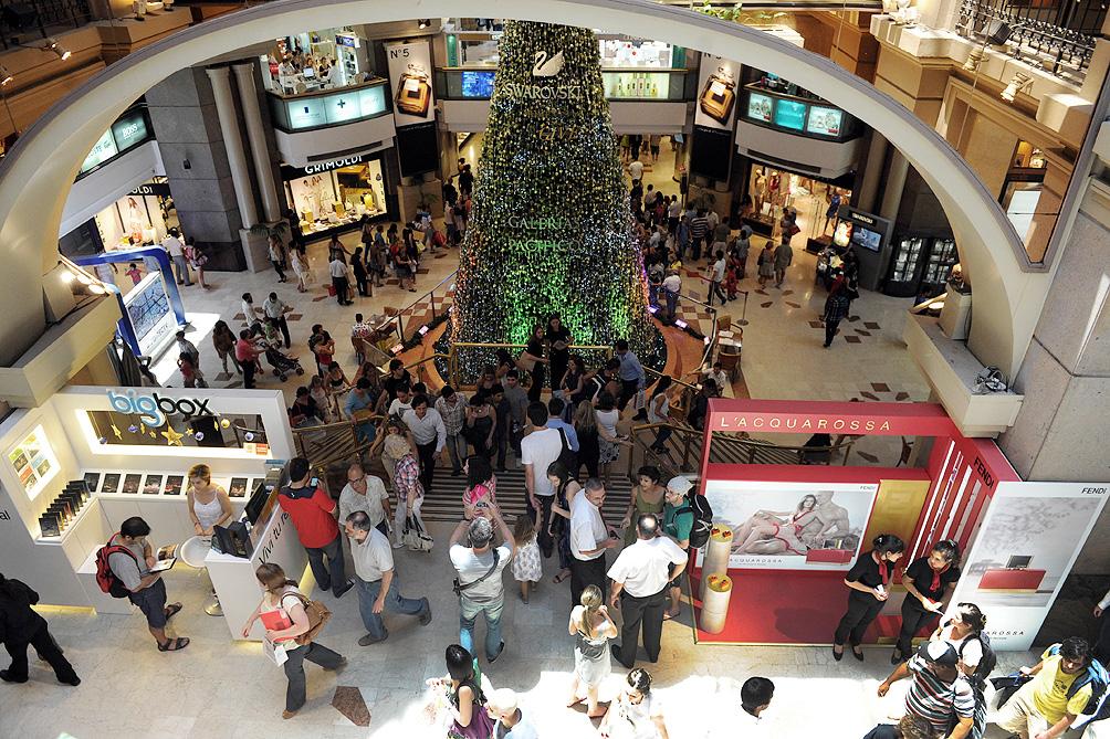 Más de 650 mil personas participaron de la Noche Shopping