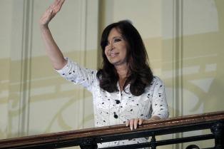 La Presidenta lanzó un programa de protección social para los jóvenes de entre 18 y 24 años