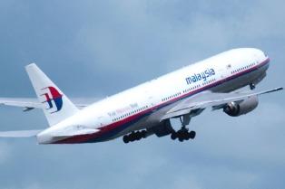 Hallan posibles piezas del avión de Malaysia Airlines en Madagascar y Australia