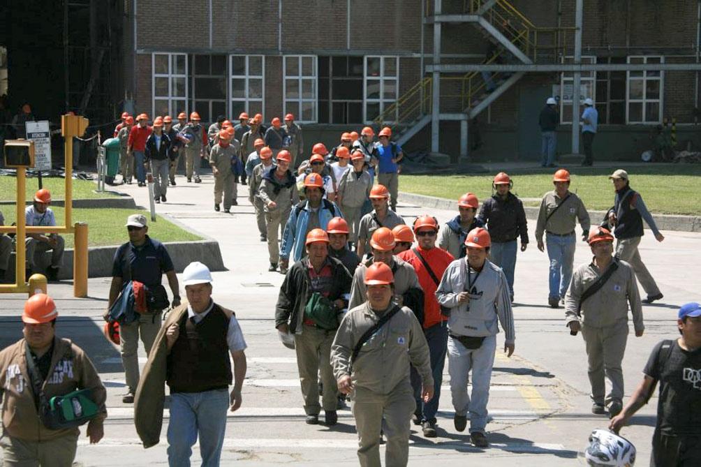 Trabajadores del Ingenio Ledesma en Jujuy, preocupados por los contagios.