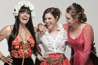 El folclore de la región, revisado por tres mujeres de carácter
