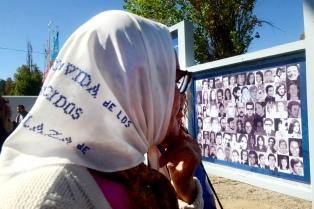 """El """"pañuelazo blanco"""" reemplazará la marcha por el 24 de marzo"""