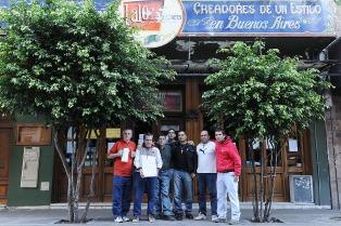 """Los dueños del restaurante """"Lalo"""" no se presentaron a la audiencia y los trabajadores esperan el desalojo"""