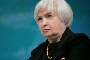 """Yellen aseguró que Estados Unidos se encamina hacia un """"sólido crecimiento"""" económico"""