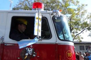 Ciudades de todo el país se suman al uso de sirenas de bomberos para reforzar el aislamiento