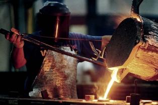 La producción metalúrgica acumula 19 meses en baja