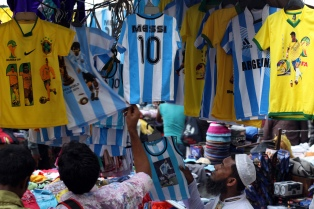 Bangladesh, el país que siempre hincha por Argentina, conmocionado por la muerte de Diego