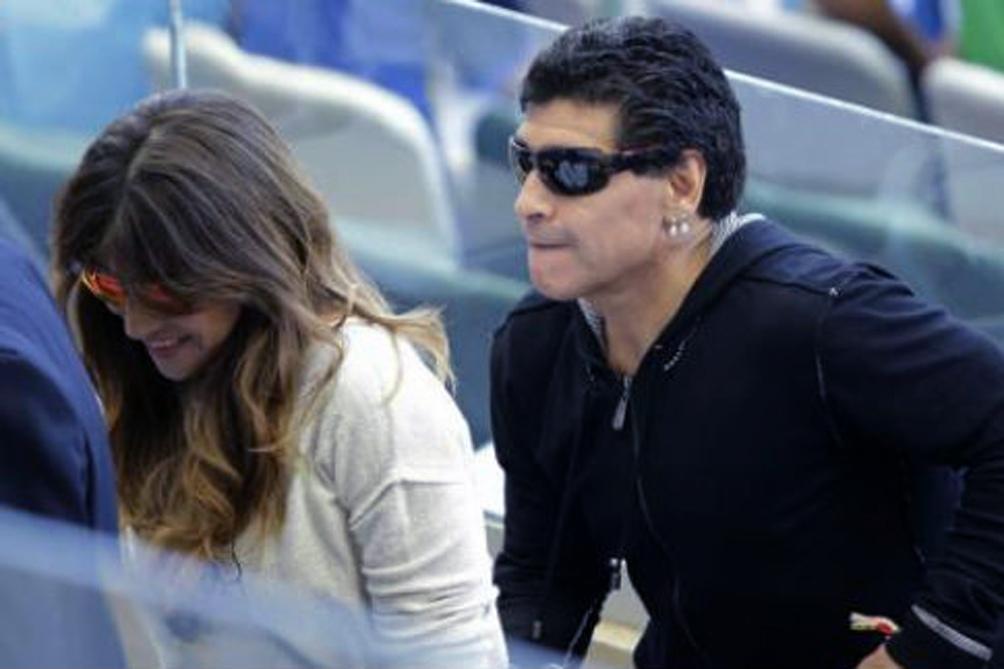 Diego y su hija Gianinna, en Brasil, para el Mundial 2014.