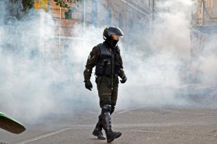 """Bolivia: policías de bajo rango se acuartelaron y el gobierno habla de """"indisciplina institucional"""""""