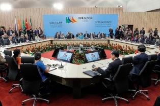 Los presidentes del Brics y de Unasur se reúnen en Brasilia para estrechar lazos entre los bloques