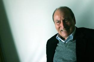 A 80 años de su nacimiento, publican por primera vez todos los textos cortos de Tómas Eloy Martínez