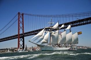 Incautan casi 130 kilos de cocaína en el Juan Sebastián Elcano, buque escuela de la Armada española