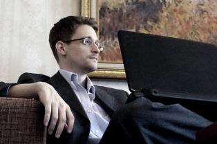 Preocupación por un misterioso tuit de Snowden