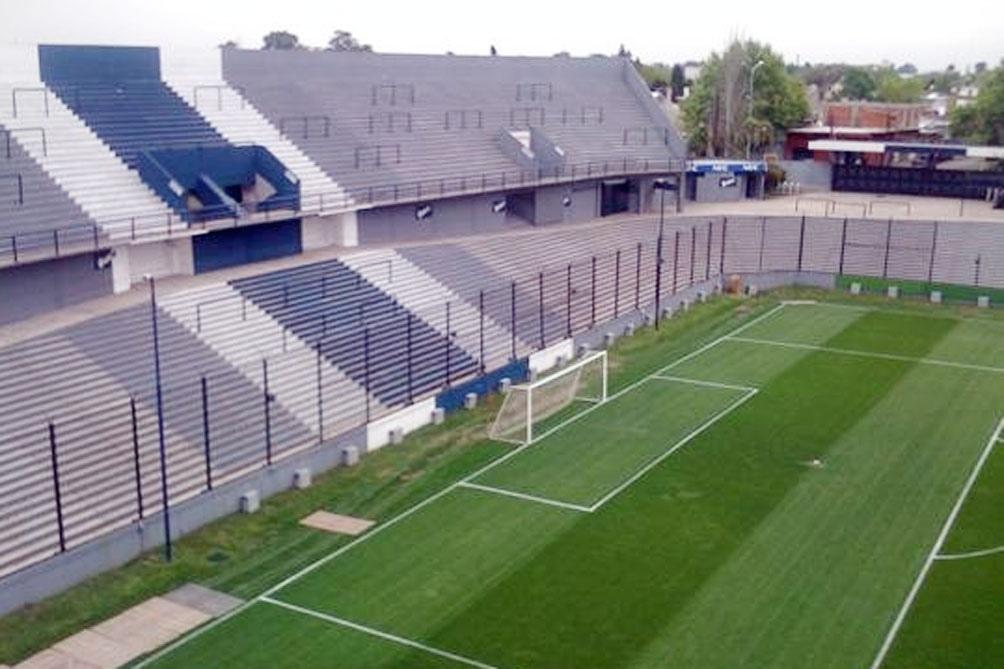 """""""Ojalá que la Ley Micaela llegue a todos los clubes de fútbol que son cuna de machismo"""", afirmó Gustavo Charras, secretario de Nuevos Proyectos de Quilmes."""