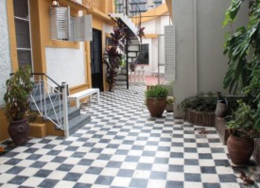 En la casa de la ex calle Langeri (hoy lleva el nombre del escritor) vivió un tiempo el brasileño Jorge Amado.