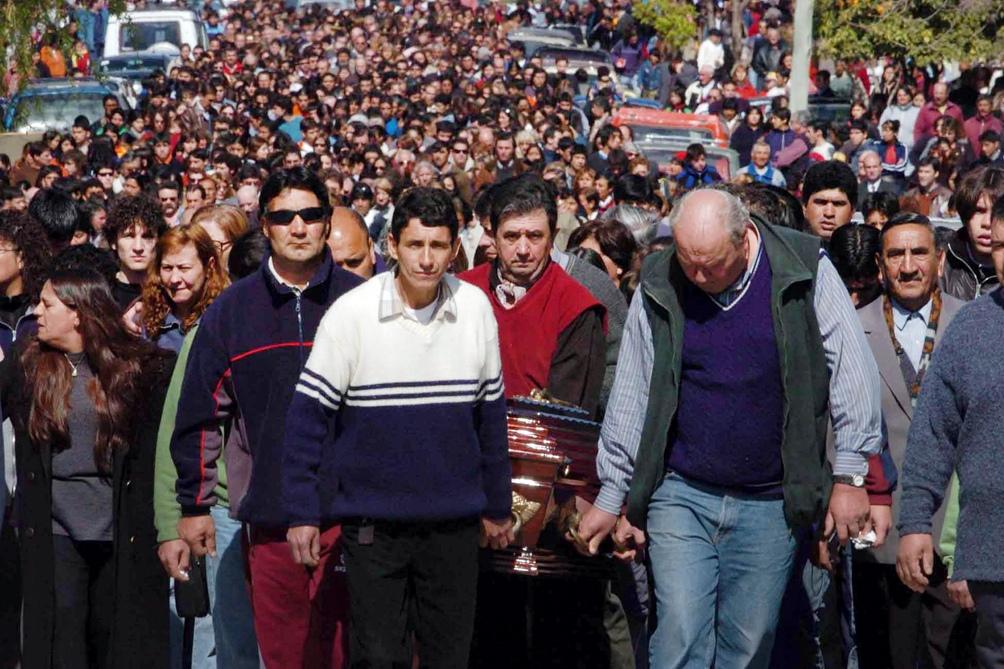El día del sepelio de las víctimas convocó a todo Carmen de Patagones.