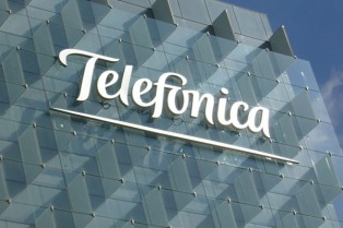 El Enacom habilita a Telefónica y a Claro a prestar servicio de TV por cable
