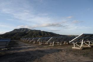 Inauguran el parque solar de Antofagasta de la Sierra