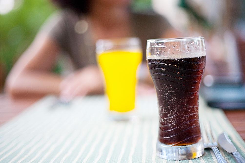 El consumo de bebidas azucaradas contribuye a más de 800.000 casos de diabetes y otras enfermedades