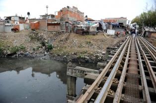 Vecinos de los barrios 21-24 y Zavaleta denuncian falta de luz y agua en el marco de la pandemia