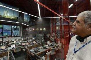 Autoridades argentinas presentes por la histórica partida del satélite Arsat-1