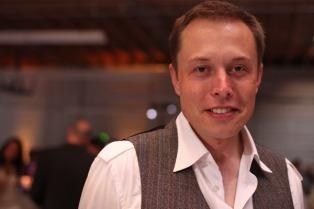 Elon Musk adelantó que su nave para viajes tripulados a Marte comenzaría a volar en 2019