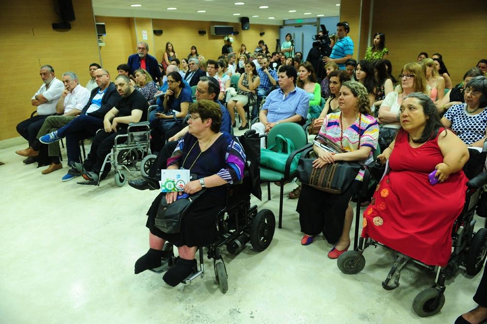 Piden que las personas con discapacidad sean prioridad en la vacunación contra el coronavirus.