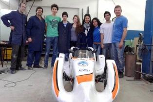 Estudiantes de escuelas técnicas correrán carreras con autos ecológicos que ellos mismos diseñaron