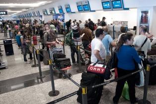 Una asamblea de aeronáuticos ocasionó demoras en vuelos de LATAM en Ezeiza