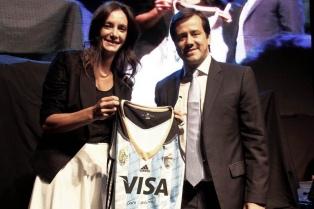 Luciana Aymar fue distinguida por Aerolíneas Argentinas