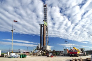 """YPF, sobre Chevron: """"El acuerdo firmado no contempla ningún compromiso de precios"""""""