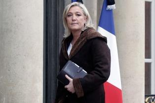 Le Pen no quiere que los inmigrantes accedan a la seguridad social