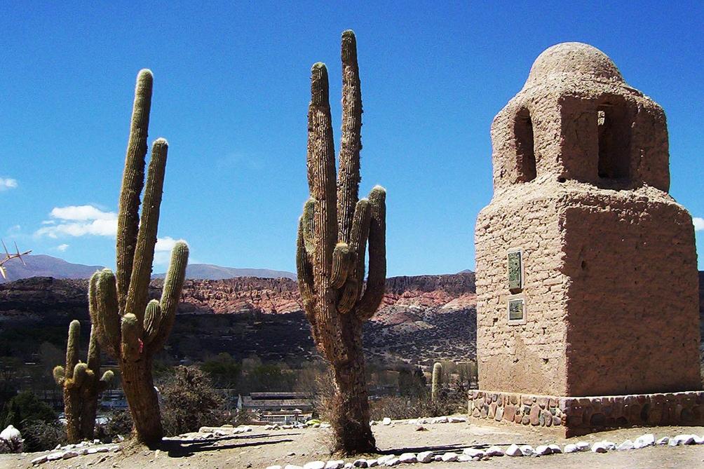 Humahuaca lanzó su temporada turística y propone caminatas por emblemáticos sitios.
