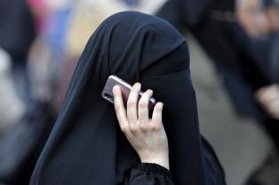 Un tribunal alemán prohibió a una joven musulmana ir cubierta a la escuela