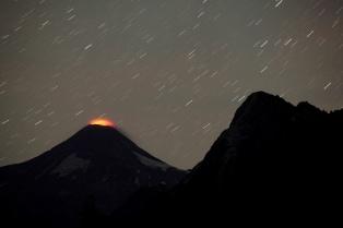 Alerta amarilla por actividad en el volcán Villarica, a 130 km de San Martín de Los Andes