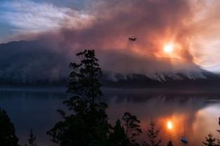 Chubut: disminuyó la intensidad de los incendios forestales de Los Alerces y Lago Puelo