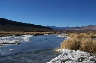 Para llegar al Llano de San Guillermo hay que vadear dos veces el Río Blanco.