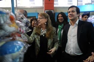 Alicia Kirchner y Mariano Recalde recorrieron el Mercado de San Telmo