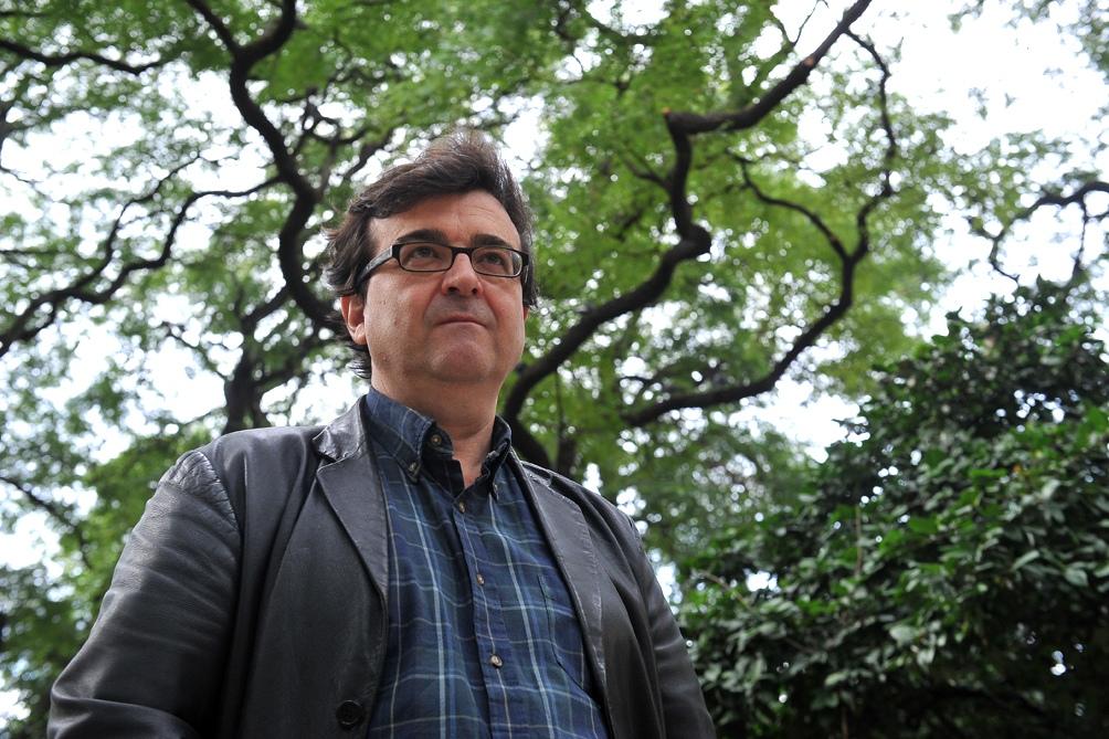 El escritor considera que pusieron sus palabras fuera de contexto para perjudicarlo y convocó a su abogado, Girona Carles Monguilod, para analizar cómo responderá de manera legal